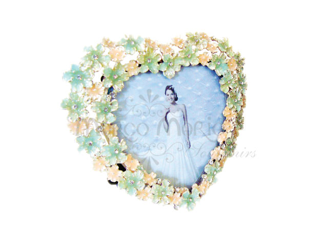 Blooming flower heart frame,marco mario souvenir, wedding souvenirs, souvenir pernikahan surabaya indonesia, wedding favors, souvenir ideas, royal wedding souvenirs