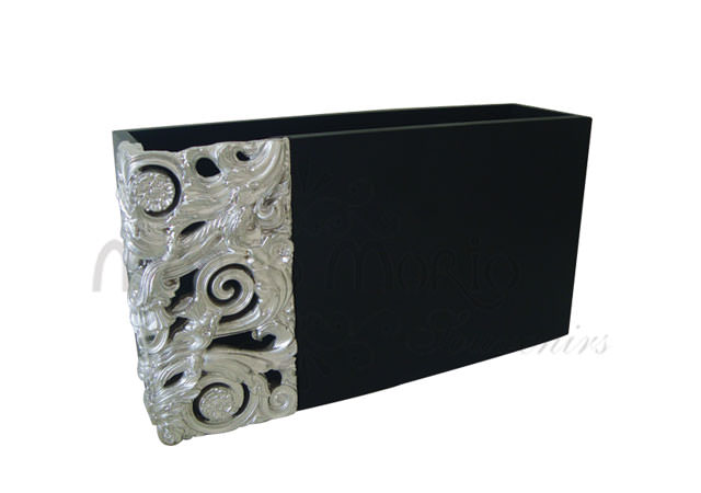 black silverish magz holder,marco mario souvenir, wedding souvenirs, souvenir pernikahan surabaya indonesia, wedding favors, souvenir ideas, royal wedding souvenirs