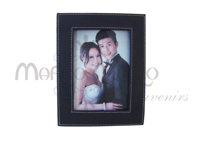 Simple minimalist leather frame,marco mario souvenir, wedding souvenirs, souvenir pernikahan