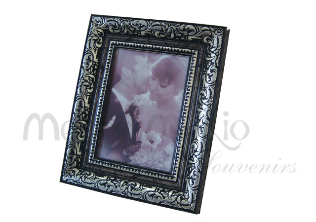 unique carved frame,marco mario souvenir, wedding souvenirs, souvenir pernikahan surabaya indonesia, wedding favors, souvenir ideas, royal wedding souvenirs