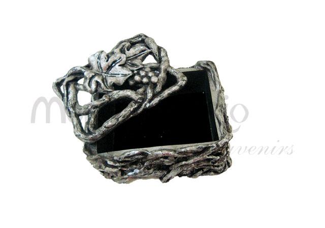 vintage roots jewelry box,marco mario souvenir, wedding souvenirs, souvenir pernikahan surabaya indonesia, wedding favors, souvenir ideas, royal wedding souvenirs