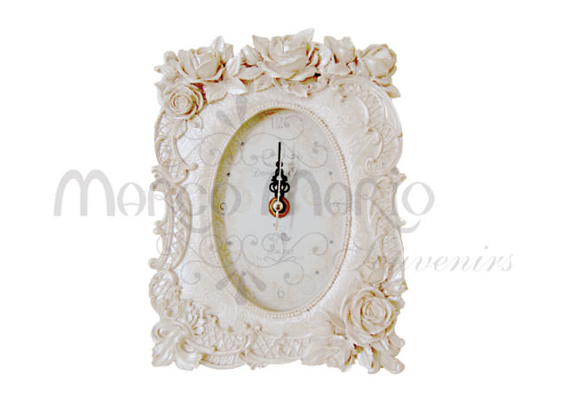 Roses pearly white clock,marco mario souvenir, wedding souvenirs, souvenir pernikahan surabaya indonesia, wedding favors, souvenir ideas, royal wedding souvenirs