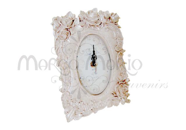 Roses pearly white clock,marco mario souvenir, wedding souvenirs, souvenir pernikahan surabaya indonesia, wedding favors, souvenir ideas, royal wedding souvenirs