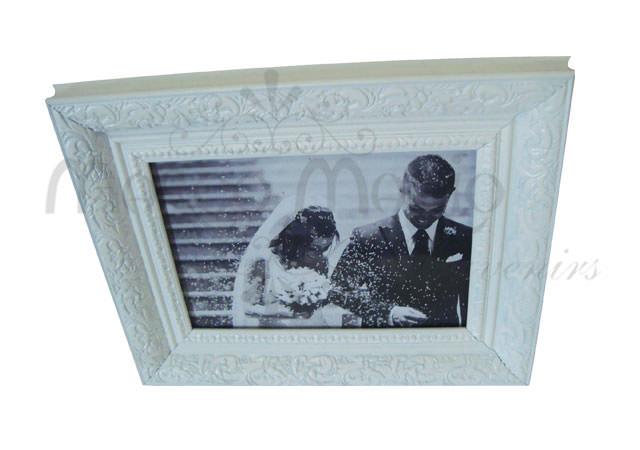 beautiful classic frame white,marco mario souvenir, wedding souvenirs, souvenir pernikahan surabaya indonesia, wedding favors, souvenir ideas, royal wedding souvenirs