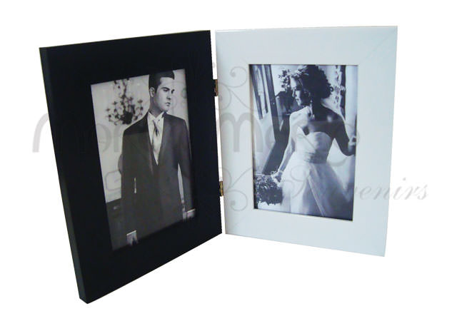 flip frame black and white,marco mario souvenir, wedding souvenirs, souvenir pernikahan surabaya indonesia, wedding favors, souvenir ideas, royal wedding souvenirs