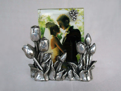 Silver Tulip 4R Photo Frame,marco mario souvenir, wedding souvenirs, souvenir pernikahan surabaya indonesia, wedding favors, souvenir ideas, royal wedding souvenirs