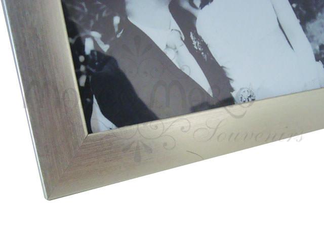 silverish minimalist frame,marco mario souvenir, wedding souvenirs, souvenir pernikahan surabaya indonesia, wedding favors, souvenir ideas, royal wedding souvenirs