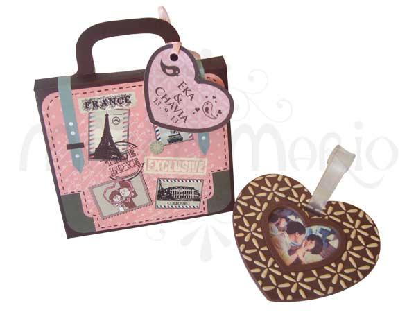 love luggage tag,marco mario souvenir, wedding souvenirs, souvenir pernikahan surabaya indonesia, wedding favors, souvenir ideas, royal wedding souvenirs