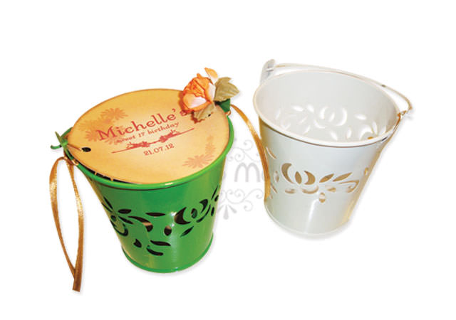 colorful Flower pails,marco mario souvenir, wedding souvenirs, souvenir pernikahan surabaya indonesia, wedding favors, souvenir ideas, royal wedding souvenirs