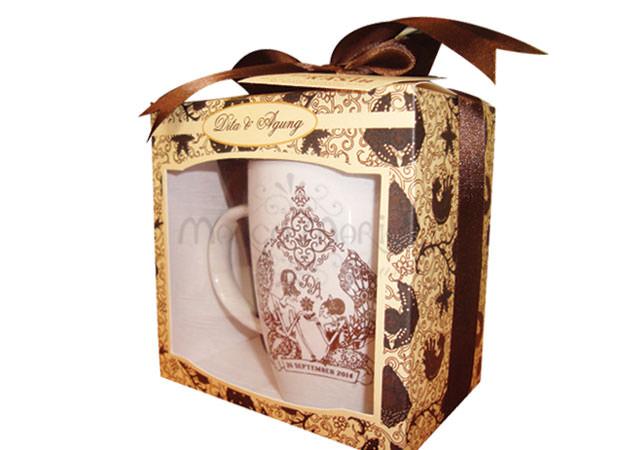 Traditional Mug and Spoon,marco mario souvenir, wedding souvenirs, souvenir pernikahan surabaya indonesia, wedding favors, souvenir ideas, royal wedding souvenirs