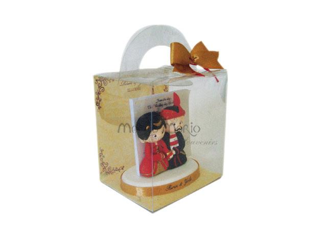 paper pen holder madura couple,marco mario souvenir, wedding souvenirs, souvenir pernikahan surabaya indonesia, wedding favors, souvenir ideas, royal wedding souvenirs