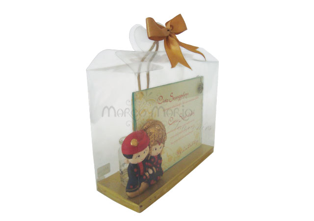 traditional wedding photo frame,marco mario souvenir, wedding souvenirs, souvenir pernikahan surabaya indonesia, wedding favors, souvenir ideas, royal wedding souvenirs