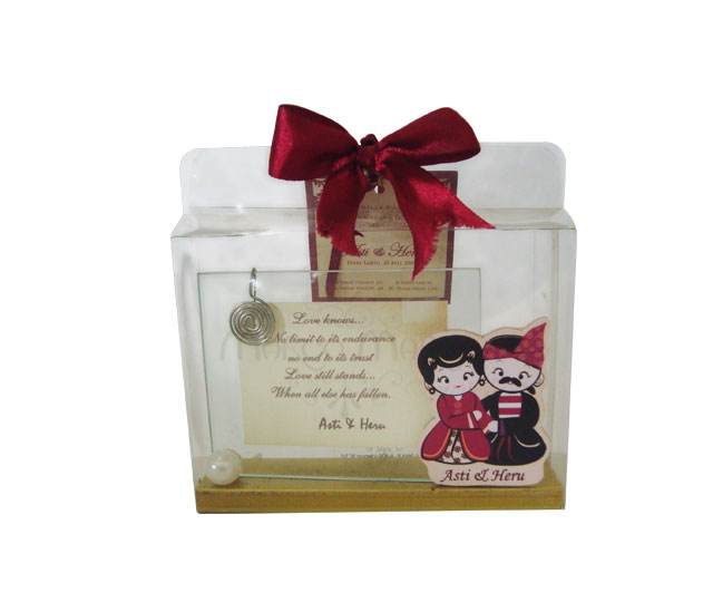 Madura couple small photo frame,marco mario souvenir, wedding souvenirs, souvenir pernikahan