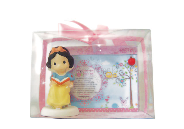 Snow White Frame,marco mario souvenir, wedding souvenirs, souvenir pernikahan surabaya indonesia, wedding favors, souvenir ideas, royal wedding souvenirs