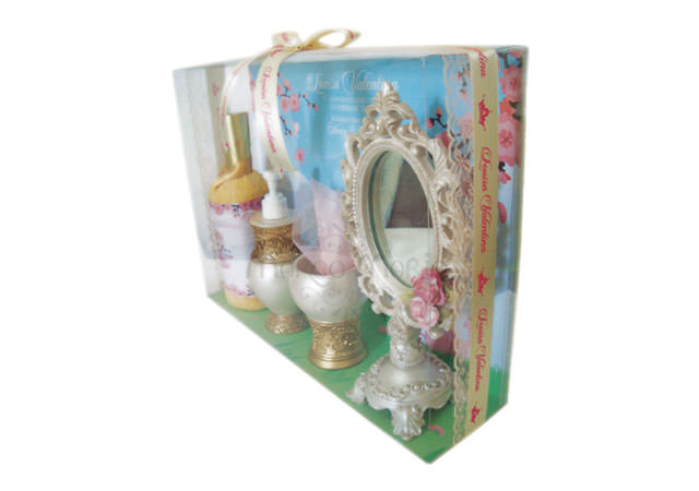 cute baby bath set with bag,marco mario souvenir, wedding souvenirs, souvenir pernikahan surabaya indonesia, wedding favors, souvenir ideas, royal wedding souvenirs